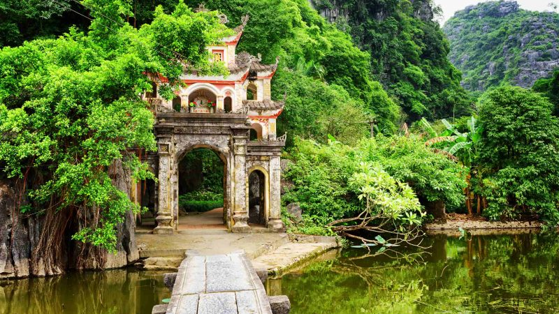 Hoa Lu – Tam Coc: An amazing day trip from Hanoi