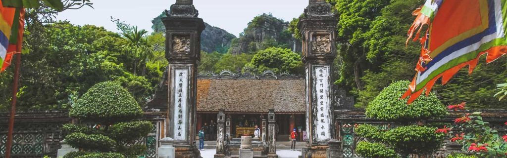 Ninh Binh attractions- Dinh and Le Temples