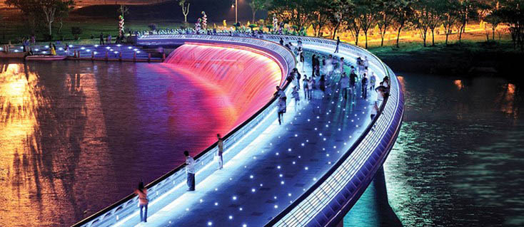 stalight-bridge-saigon-Things to do in Ho Chi Minh City at night
