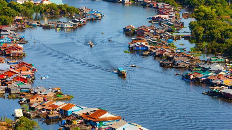 floating-villages-tonle-sap-lake-and-mangrove-forest
